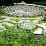 2-labyrinth-garden