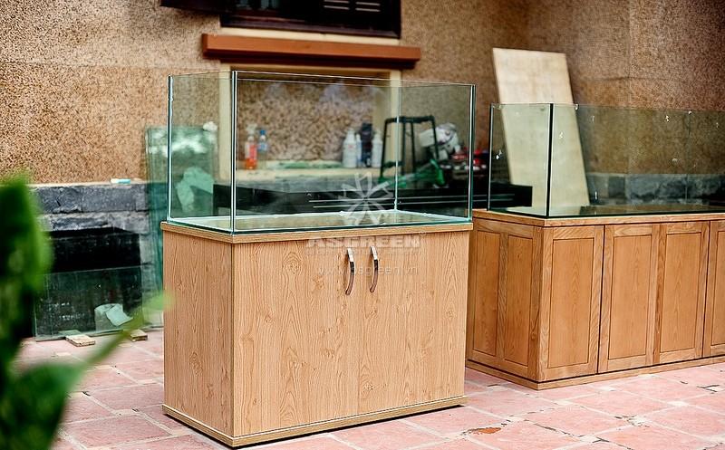 Chân bể cá bằng gỗ vẫn là lựa chọn của nhiều người